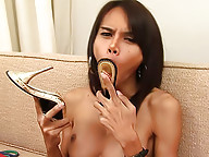 Pervy dick-girl gets a big hard-on after shoe play