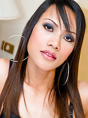 Ethnic ladyboy Bew moaning from stroking her pole