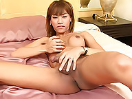 Wild wanking Thai ladyboy with banging bod