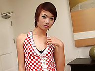 Hot-assed tgirl Pangpong having a jerk off session