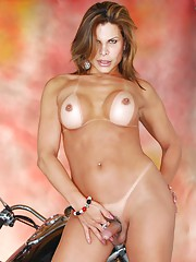 Transsexual Viviane posing her hot irresistible body