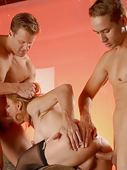 TS Jasmine Jewels taking two cocks up her ass at the same time