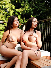 Sexy Mia Isabella and Carmen sucking each other in the hot tub