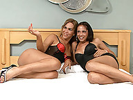Horny tgirls Alexia and Sharon banging with Tony