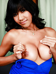 Sexy ladyboy with a lovely shecock!