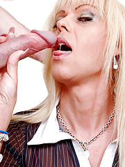 Joanna Jet returns to Shemale Pornstar