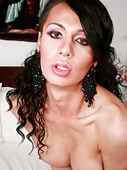 Super hot tranny beauty