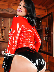 Nothing hotter than shemale curves in latex