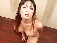 See chunky ladyboy cream all over the floor