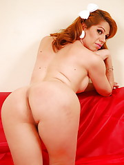 Sensual tranny her plump shecock