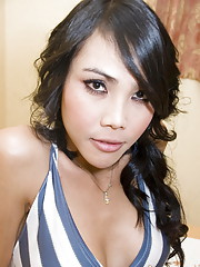 Ladyboy hottie with perfect big tits