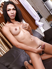 Exotical tgirl Nanny stripping and posing