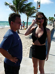 Hot pick up at the beach with a cute trany getting some action