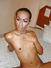 Long legged ladyboy shows off her shecock