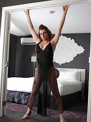 Beautiful Tyra Scott stripping on the bed