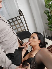 Amazing TS Annalise gets blowed and fucked
