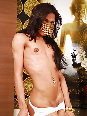 Hot brazilian femboy poses nude on bed