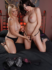 Gorgeous Sarina fooling around with beautiful Maya