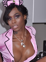 Beautiful chocolate transsexual Little Jade posing