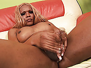 Blonde black tranny shows her chute