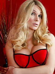 Kelly Pierce (AKA Kelly Shore) is a great girl who has been in the industry a few years. She has a very pretty innocent look to her but trust me when I tell you she is far from innocent. She is extremely sexual and completely versatile. She is open for se