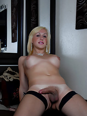 Cute Tranny Melissa Posing Her Sweet Body