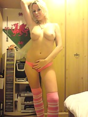 Sexy slut posing and wants her ass pounded.