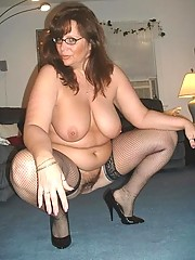 Mature wives giving head and posing