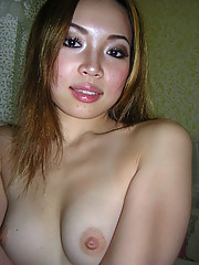 Photos of a naked and naughty Asian babe