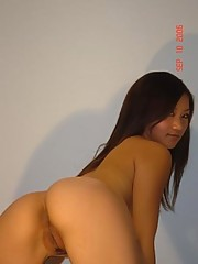 Perfectly sexy Asian posing naked