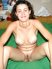 Pictures of a naked kinky-haired wife