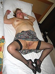 Mature chick fun with sex