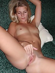 Hot wifey naked and having lesbian sex