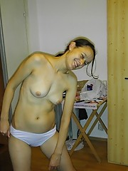 Hot moms showing their naked bodies