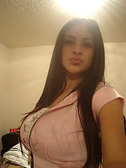 Big-boobed Latina cutie poses for the camera