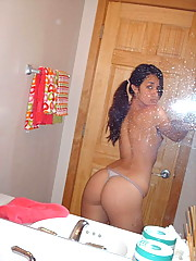 Isabella taking naked selfpics in the mirror
