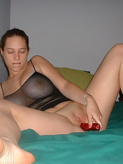 Kinky slut beats her asshole