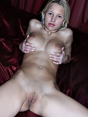 Blonde Ruskie flaunts her naked body