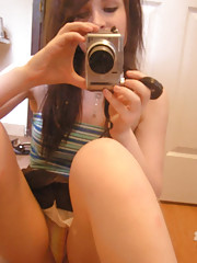 Pictures of self-shooting sexy girls