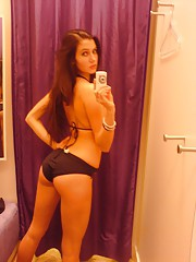 Pictures of a college hottie who got naughty and naked