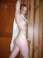 Pictures of hottie Caitlin posing naked