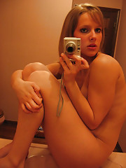 Pictures of a hottie playing with herself on a washbasin