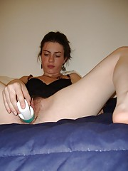 Turkish babe fucking her pussy with a dildo