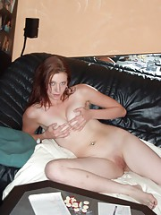 Amateur babe spreading and touching herself on the couch