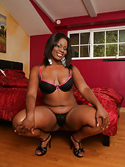 Ebony took a huge cock deep down her throat and in her little honey pot.  She has this giant butt cheeks that jiggle and shake when she