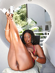 Raianna Sylk has round curves and big buns to complement her massive juggs.  She