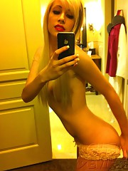 Sexy emo chick self shoots nude with her new iphone