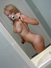 mirror blonde spreads and shows kooch