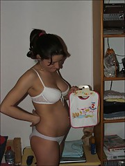 Homemade amateur pregnant girlfriends having fun