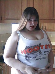 BBW chick aspiring to be a hooter girl